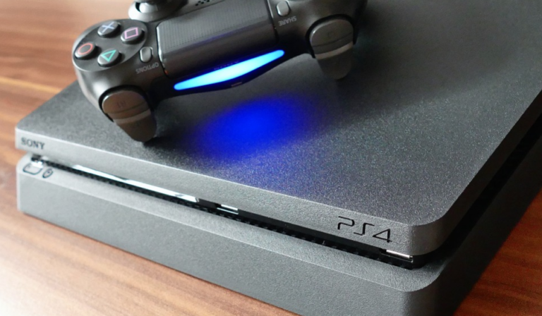 PS4 Slim Vs. PS4